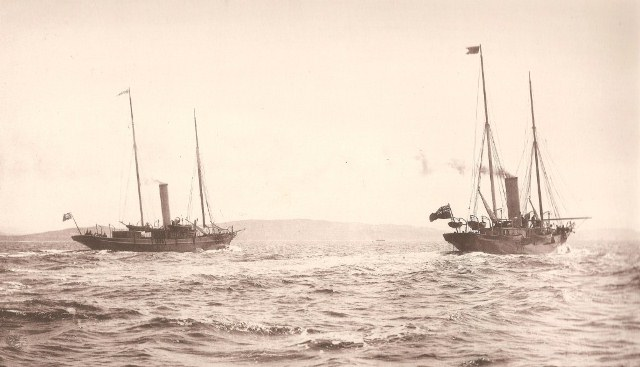 Steam yachts Oriental (left) and Greta racing, Clyde 1897